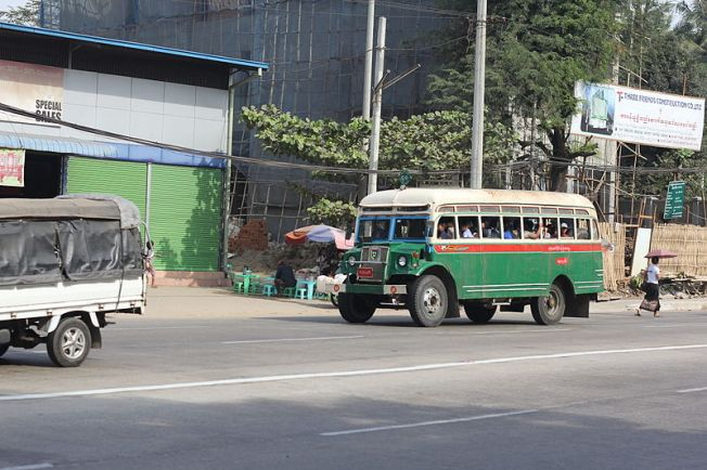 Old_green_Bus